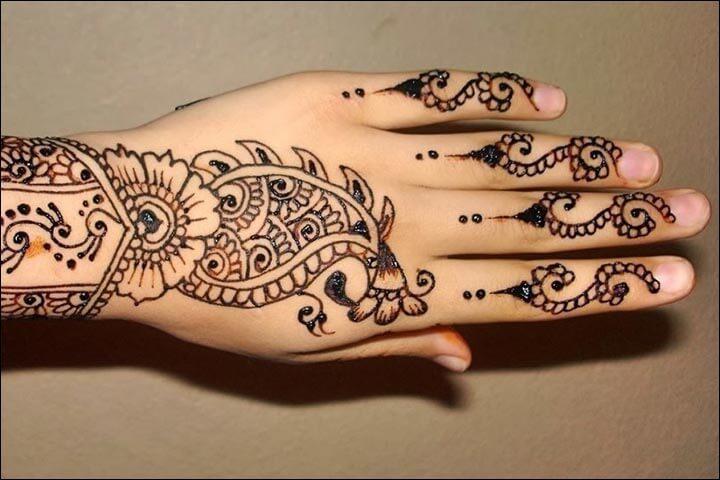 henna tangan motif paisley