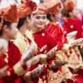 adat istiadat dari berbagai daerah di indonesia
